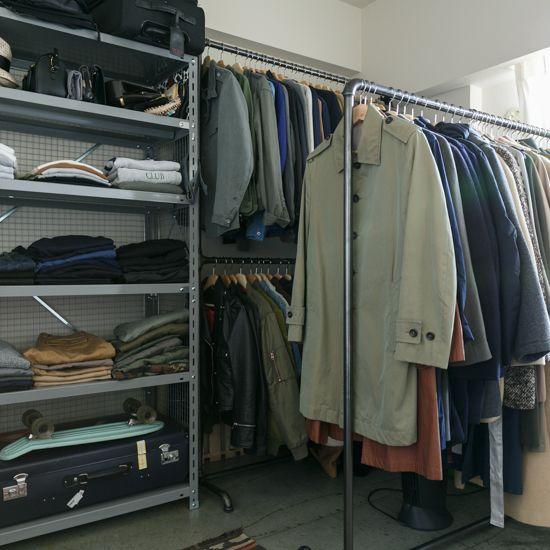 ハンガーラック:「UDATSU IRON WORKS」、ハンガー:「IKEA」、スチールラック:「北島」