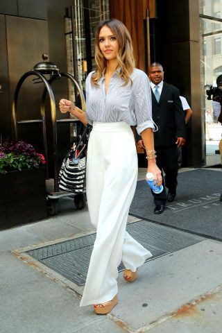 10 slimming outfit ideas and styling tricks to try now: Jessica Alba's high-waisted pants