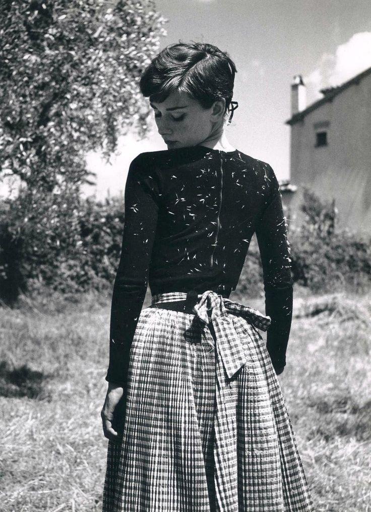 Audrey Hepburn. Visit www.forarealwoman.com #fashion #vintage