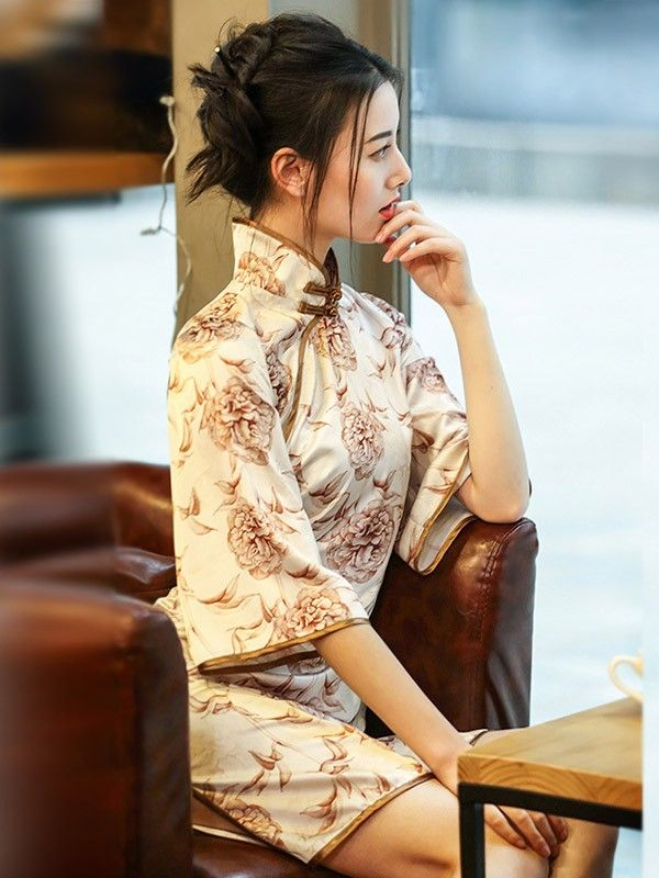 Flutter Sleeve Modern Qipao / Cheongsam Dress in Floral Print