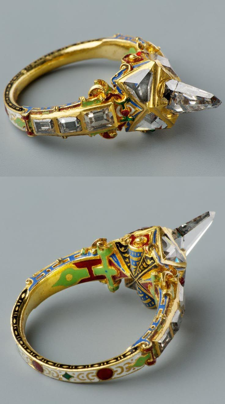 Icicle-shaped diamond ring, called Matthias ring, late 16th century, Southern Germany (probably), gold, diamonds, enamel, height: 3.5 cm, diameter: 2.3 cm
