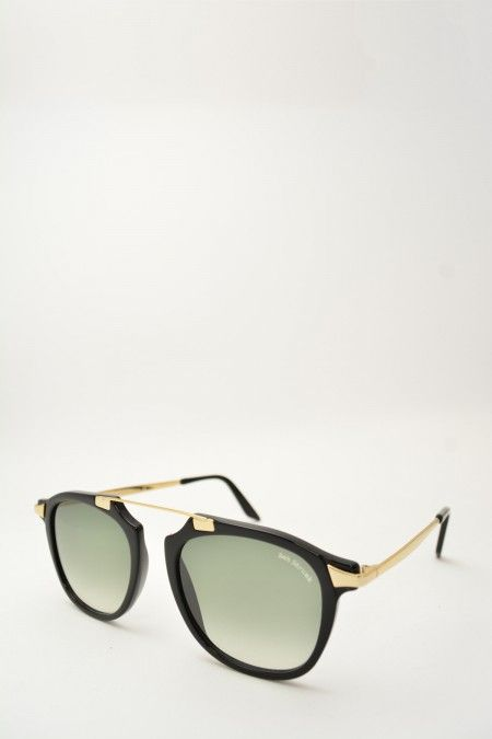 Bob Sdrunk NABIL black and gold sunglasses #Sunglasses #BobSdrunk #BlackShiny #ClassicShape #Nabil #GreenGradient #BassanoDelGrappa #DesignGlasses #Design #Gold #Gomorra #GomorraTheSeries online store at www.bassanooptical.com