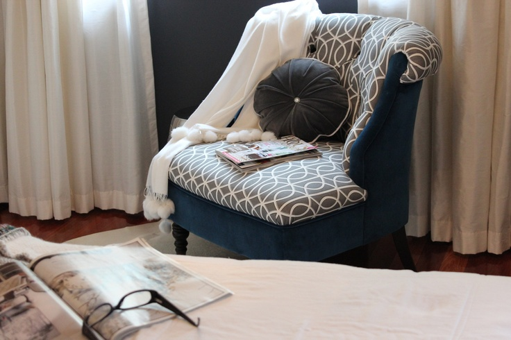 #DwellStudio for Robert Allen Gate is the perfect modern touch on this traditional chair via Redelman.com #HowYouDwell