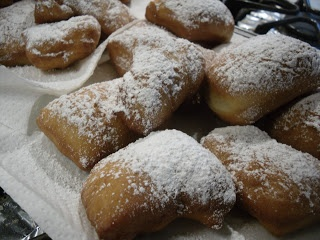 French Quarter Beignets. Someone's gonna LOVE that I pinned this. lol