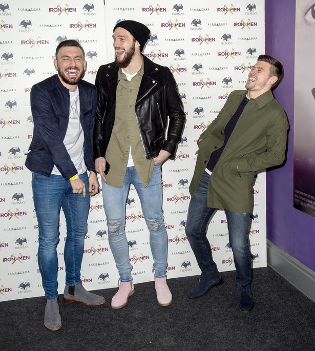 awesome Andy Carroll dons PINK Chelsea boots as West Ham stars arrive for premiere of new film Iron Men Check more at https://epeak.info/2017/03/03/andy-carroll-dons-pink-chelsea-boots-as-west-ham-stars-arrive-for-premiere-of-new-film-iron-men/