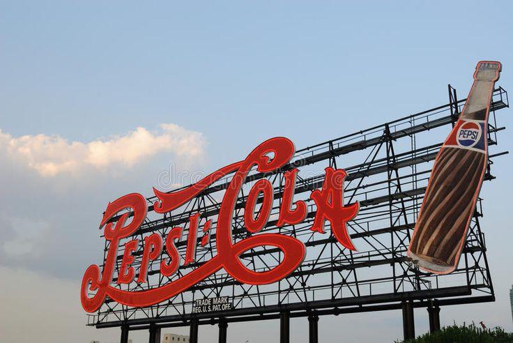 Classic Pepsi Cola Sign A Landmark Pepsi Sign In Queens New York Spon Cola Sign Classic Pepsi Queens Ad With Images Pepsi Cola Pepsi Cola