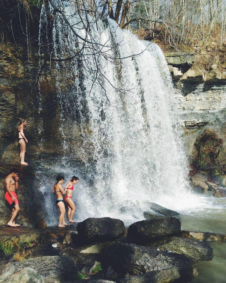This Hidden Waterfall Near Toronto Is The Perfect Summer Hangout Spot - Narcity