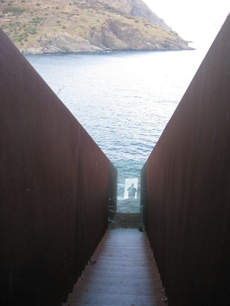 Walter Benjamin Memorial: Dani Karavan