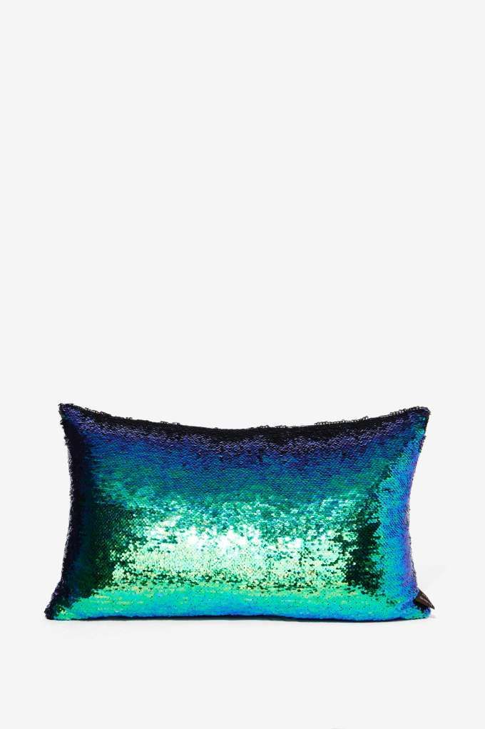 1000 Ideas About Sequin Pillow On Pinterest Mermaid