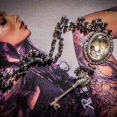 Chapelet rosaire perles noires hématite camée mexican sugar skulls calavera gypsy bohème ♰tattooed alice♰