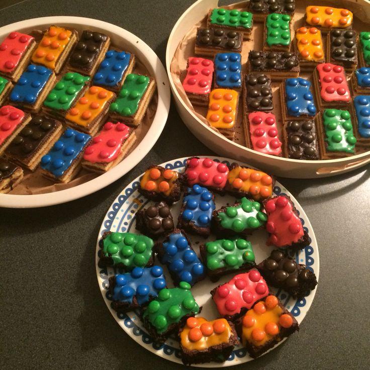 Traktatie legoblokjes van cake of brownies