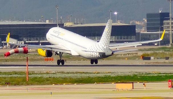 Acuerdo entre Vueling y Royal Jordanian para aumentar en Barcelona el flujo de pasajeros