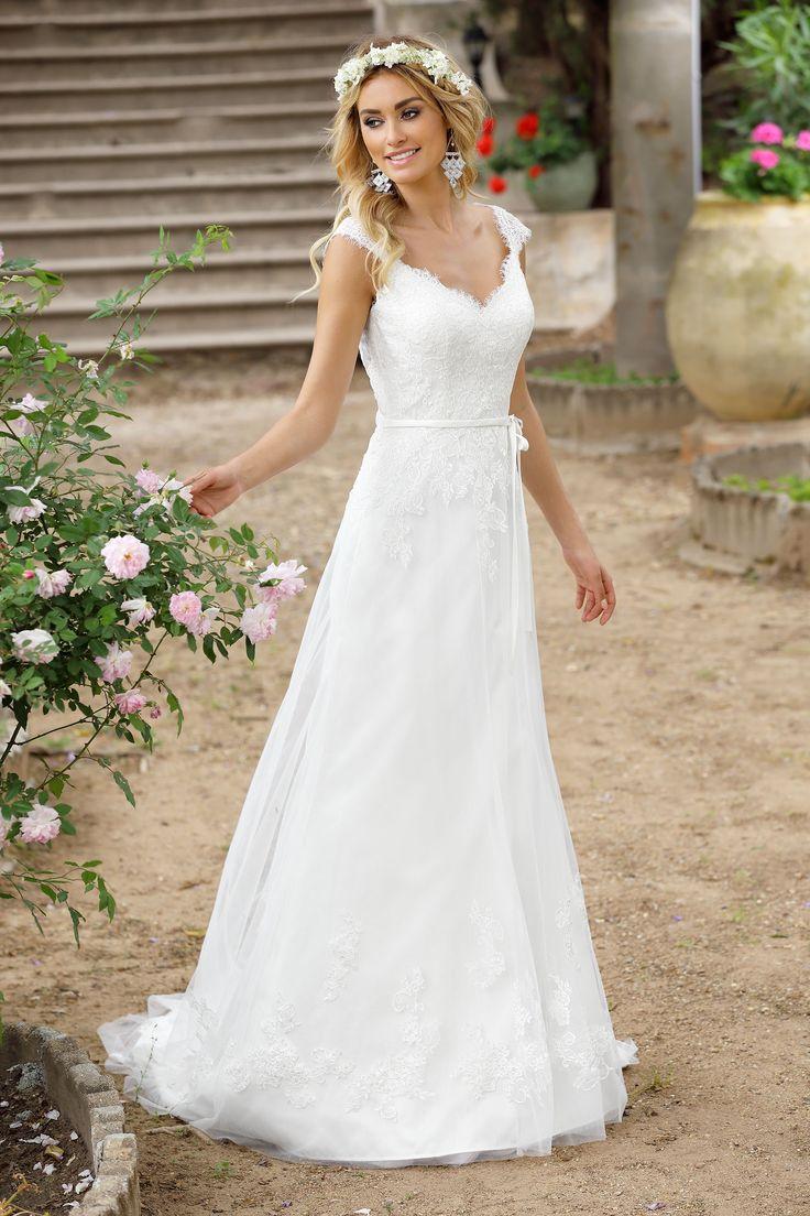 Ladybird Wedding Dress 416019 Valkengoed Bruid & Bruidegom