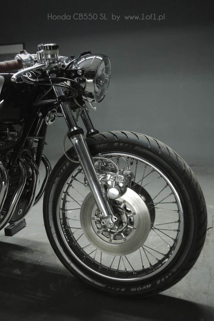 Honda CB 550 classic cafe racer