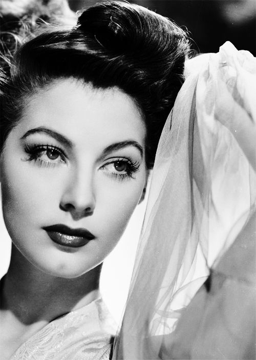 Ava Gardner c. 1946 A picture of Ava Gardner. Now I can see why she had Ol' Blue Eyes Runnin'