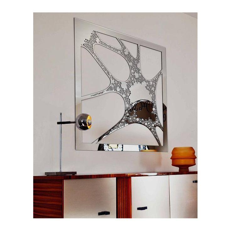 Aimez-vous les ambiances dynamiques ? Avec ce Miroir Blob Robba aux effets impressionnants vous pouvez créer une déco moderne en harmonie avec votre intérieur.  NOUVEAU ! Retrouvez tous nos miroirs pour une décoration de maison so design et exclusivement sur >>> http://shop.eclatdeverre.com/fr/13188-miroirs?p=3?utm_source=pinterest&utm_campaign=decomurale&utm_medium=pinterest  #mirror #lifestyle #inspiration #inspired #home #new #graphicdesign #art #homesweethome #moderne #interiordesign
