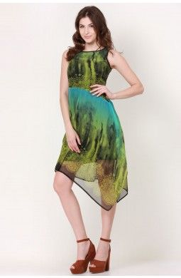 Green Printed Flowness Dress  Walk down to the party looking ravishing hot in this very pretty Green Printed Flowness Dress!