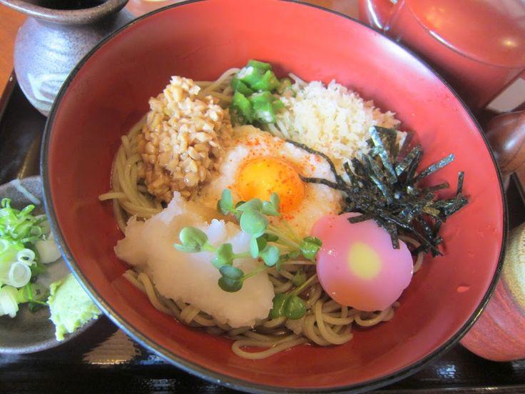 平岸『蔵の麺』冷やし八味つきそば。コレを食べると病み付きになるぞぉ、と言う事でしょうネ。 具材はトロロ(黄身付)・納豆・オクラ・天カス・海苔・蒲鉾・大根オロシ・カイワレで具沢山です。 #Soba #Noodles #Mennokura   #Sapporo   #Japan  #蕎麦 #冷やし八味つきそば #札幌 #麺の蔵  - Google+
