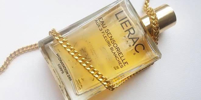 Lierac Eau Sensorielle Review. Αισθησιακό αρωματικό νερό ενυδάτωσης με 3 λευκά λουλούδια,  που προσφέρει 24ωρη ενυδάτωση, δροσιά, χαλάρωση και υπέροχο άρωμα.