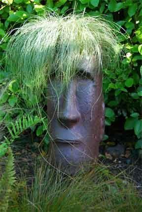 Garden Head With Grass Growing Misschien Ook Leuk Met Randje Houten  Koppen Paaltjes