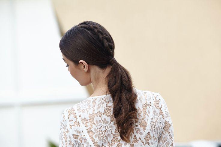 Penteados para esconder a franja são ótimos para mudar o visual de quem cansou do visual com franja, mas não quer deixar os cabelos crescerem.   All Things Hair - Dos especialistas em cabelos da Unilever