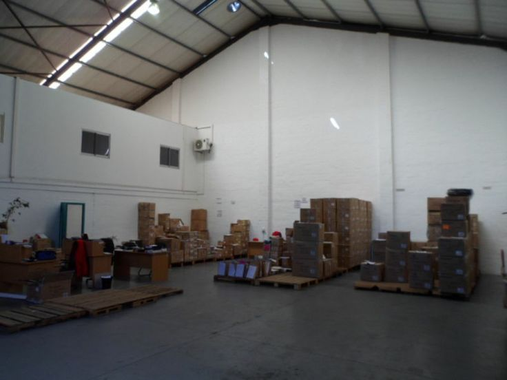510sqm Warehouse - Avail 1 Mar 2014 @ R57.50 per sqm(email me for correct images)407sqm Warehouse - Avail with 1 month's notice @ R60 per sqm(images featured here)Situated in the heart of Montague Gardens with easy access to the N7 highway.Will suit light industrial or manufacture.Very neat and well managed complex.Contact me for more info and other options!