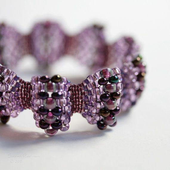 Peyote stitch with various sizes of beadsBeads Bracelets, Peyote Stitches, Seeds Beads, Jewelry, Beads Work, Size, Beads Weaving