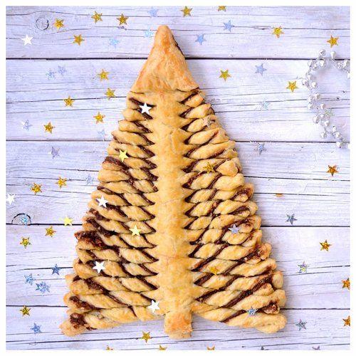 Χριστουγεννιάτικο δέντρο σφολιάτας με γέμιση πραλίνα — Paxxi