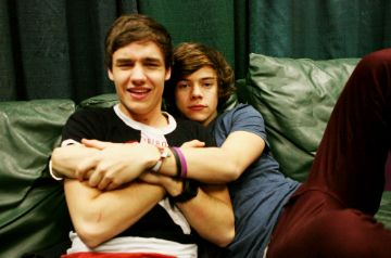 One Direction Mpreg One Shots - Lirry - Easier than Expected (part ...