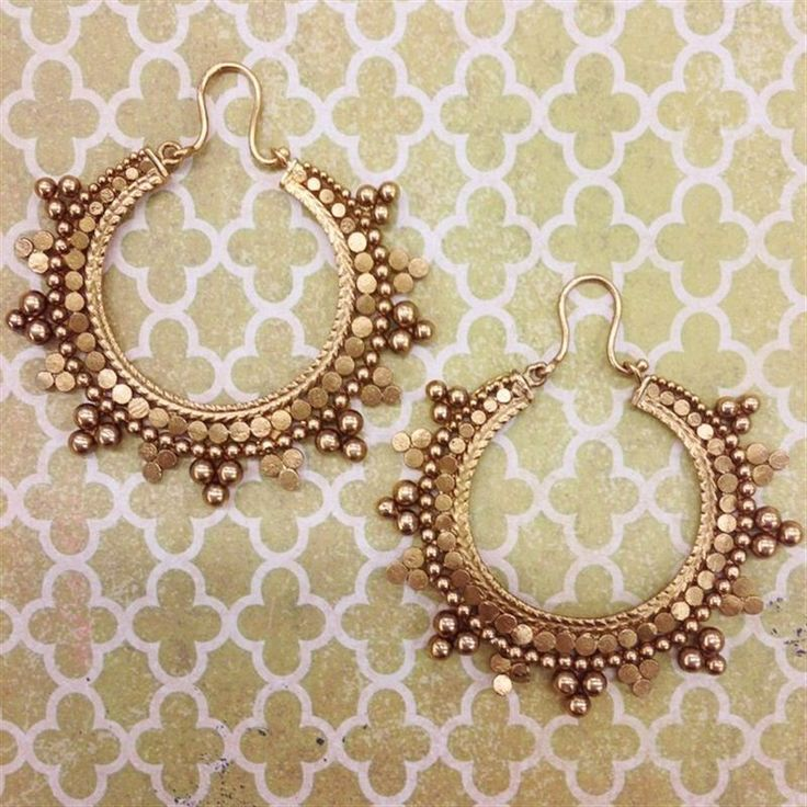 These gold hoops from Azva Vows are the perfect addition to your weekend wardrobe.