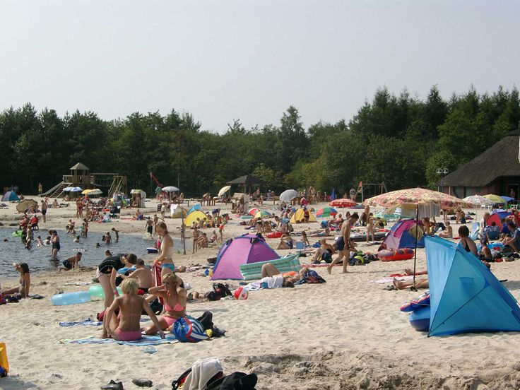 White sand beach at Camping und Bungalowpark Ottermeer, Wiesmoor, Aurich - Pitchup.com