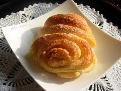 Korvapuustit: Ricetta Italiana di panini alla cannella finlandesi