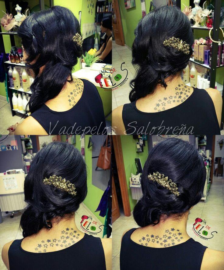 Recogido de lado #recogidos #melenas #coleta  #tirabuzones #peinados #cabello #hairstyle #hair #collected #hairdresser #peluqueria #invitadas #peluqueriaensalobreña