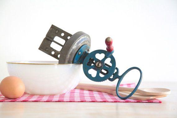 Antique Butter Churn With Hearts, Vintage Kitchen Hand Mixer, Vintage Kitchen Utensil, Collectible Kitchen Tools