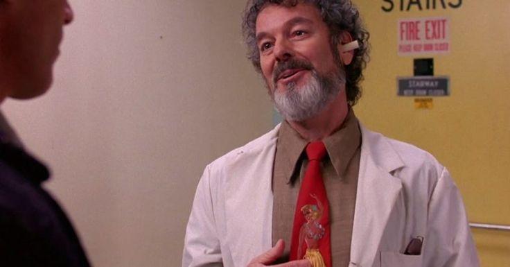 Russ Tamblyn - Doctor Lawrence Jacoby, excéntrico psiquiatra del cual Laura fue paciente. Sus métodos no son nada ortodoxos.