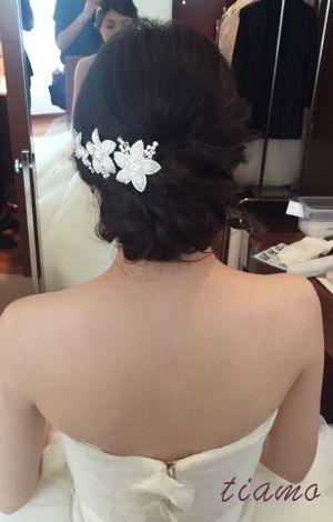 Vera Wangに合う大人フェミニンなスタイルでホテル婚♡