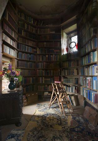 The library at Sissinghurst castle