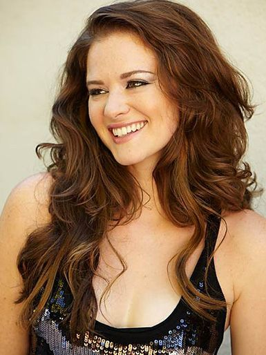 We Shine the Spotlight on GREY'S ANATOMY Star Sarah Drew