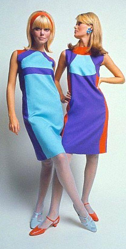 Robert Sloan Dresses, David McCabe 1966 shift dress space age 60s mod go go purple blue orange models vintage fashion print ad