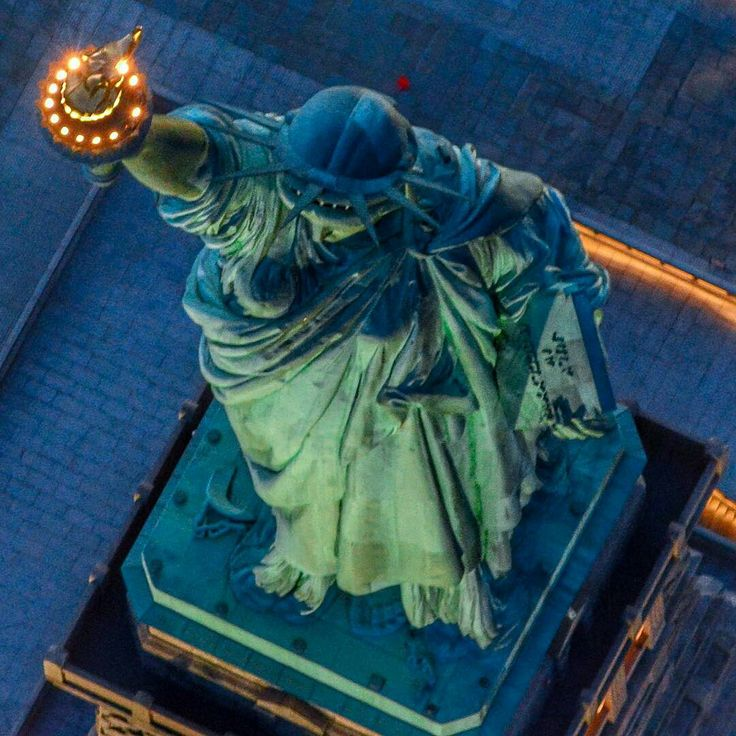 Statue of Liberty by Danny Barrera by newyorkcityfeelings.com - The Best Photos and Videos of New York City including the Statue of Liberty Brooklyn Bridge Central Park Empire State Building Chrysler Building and other popular New York places and attractions.