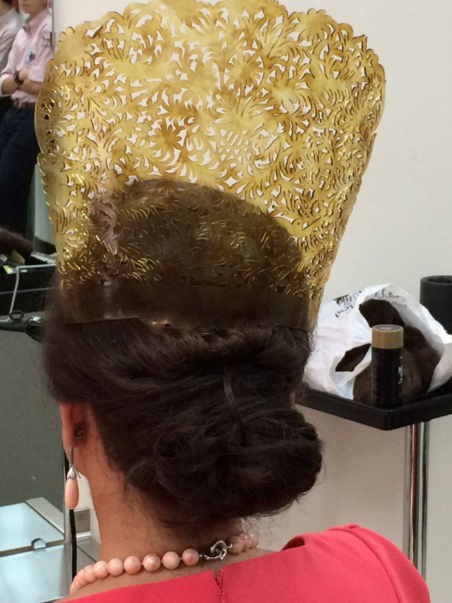 El ritual de la mantilla por Carmen Tello