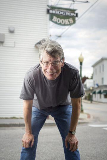 Stephen King, retratado en 2013 en Bridgton (Maine), el pueblo donde se desarrolla su novela 'La niebla'.