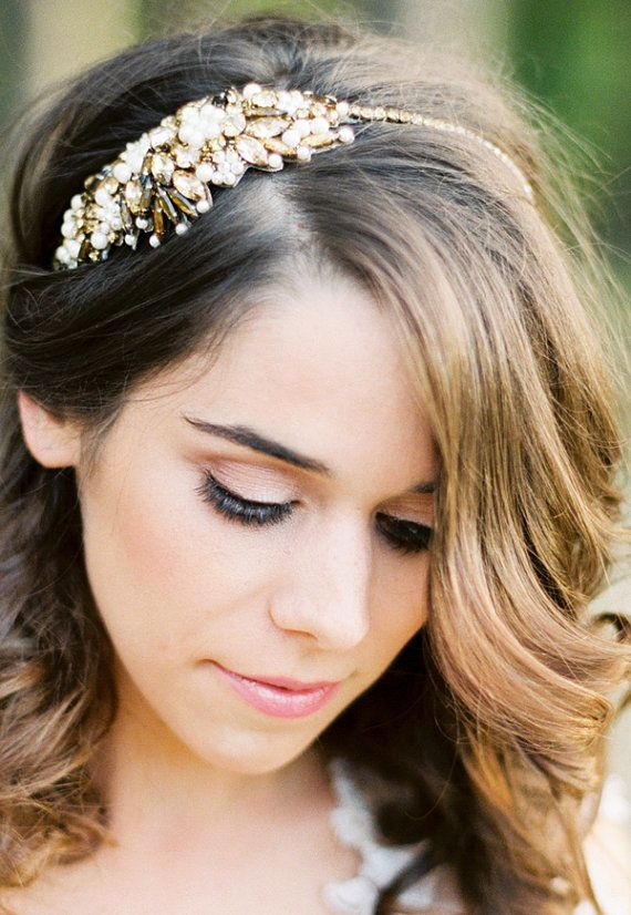 This beautiful and unique bronze statement headpiece is perfect for a bride who would like to wear statement piece on her wedding day Colour :