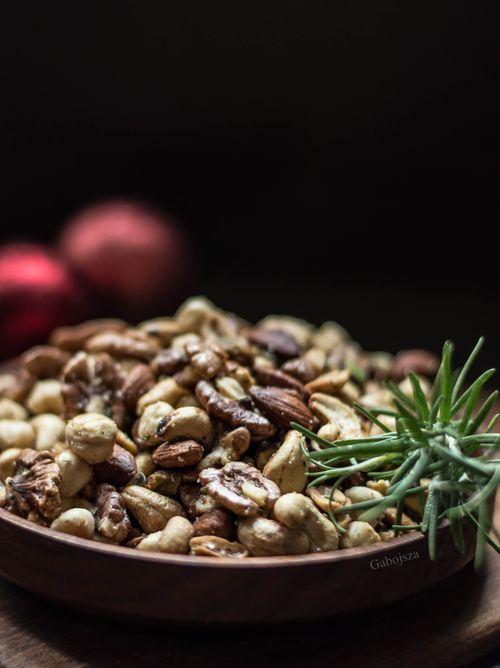 """""""Anya, ez isteni!..."""", avagy Gabojsza konyhája: A legtutibb rágcsálnivaló szilveszteri partyra: fűszeres magvak"""