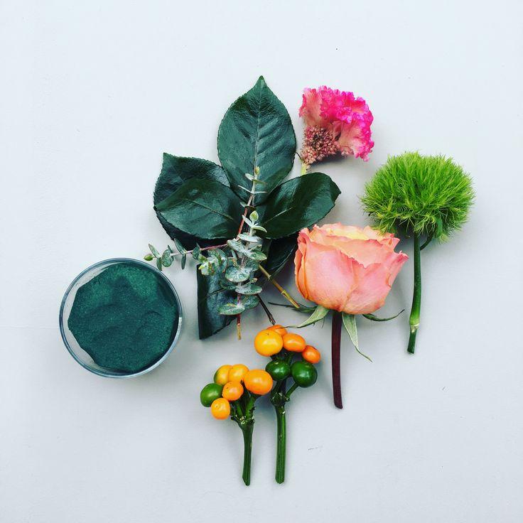 DIY floral arrangement • Flowers arrive in a box for you to arrange #hanaflowerbox HanaBox