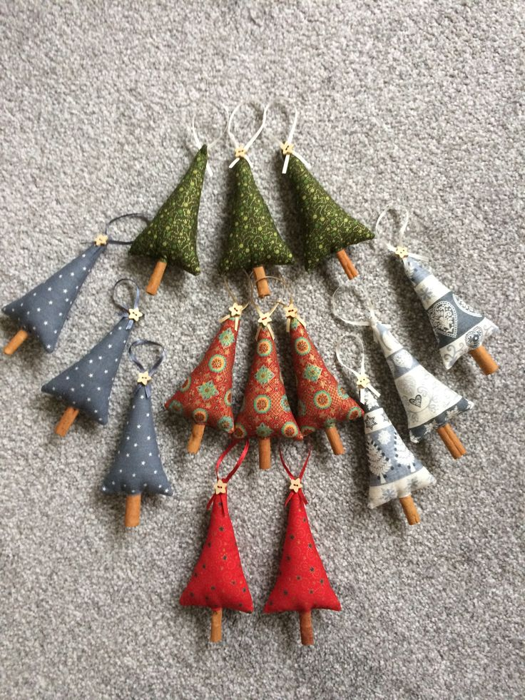 2017-12 Christmas Trees with cinnamon stick trunks - made by Jan