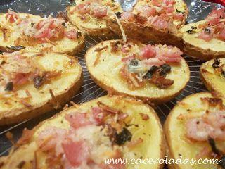 Caceroladas: Barcas de patata con bacon y queso.