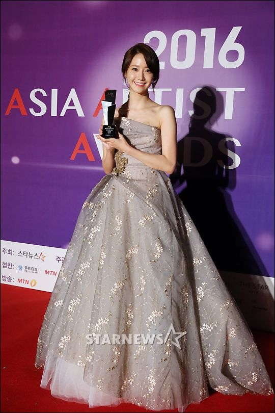 SNSD YoonA at the red carpet event of the 2016 Asia Artist Awards