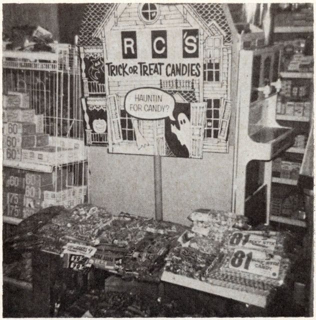 vintage everyday: Halloween Retail Store Displays from 1969