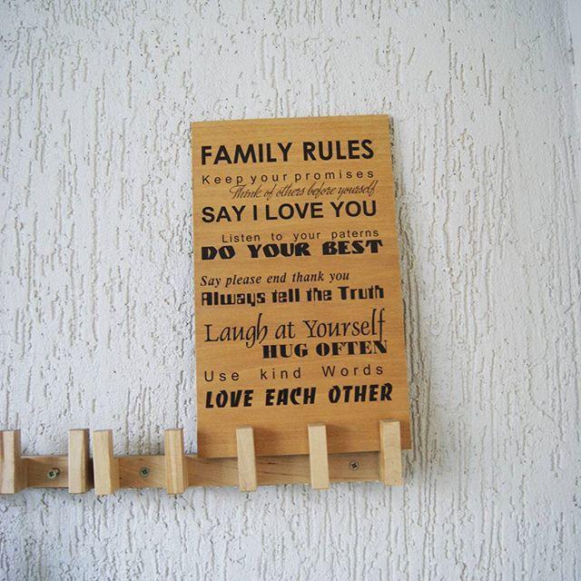Доброе утро! Простая фанерка размером А4. А вмещает в себя целый набор простых истин. Семейные правила-Любовь доверие правда!. Всем хорошего дня!..
